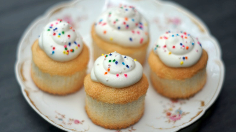 angel food cupcakes with whipped vanilla cream