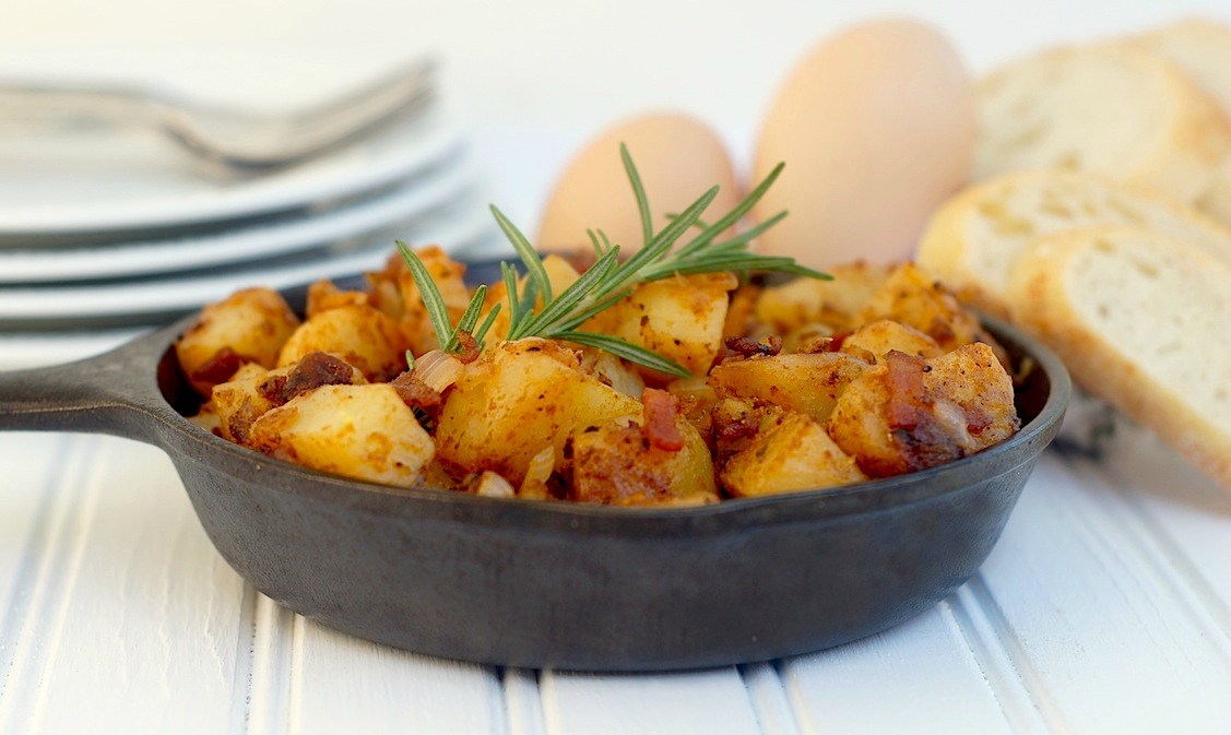 skillet breakfast potatoes with bacon + caramelized onions