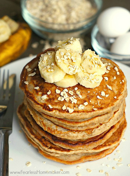 Banana Oatmeal Pancakes: Fluffy, Delicious, Simple, & Kid-Approved!  | www.FearlessHomemaker.com