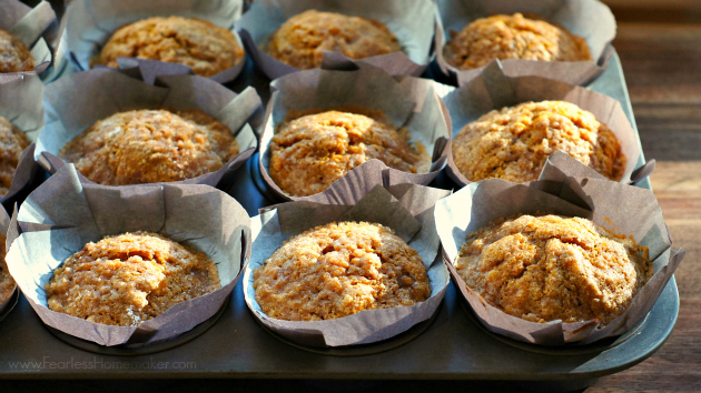 Pumpkin-Apple Streusel Muffins | www.FearlessHomemaker.com