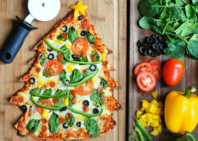 Christmas Tree Pizza (featuring the BEST thin crust pizza recipe!) | www.FearlessHomemaker.com